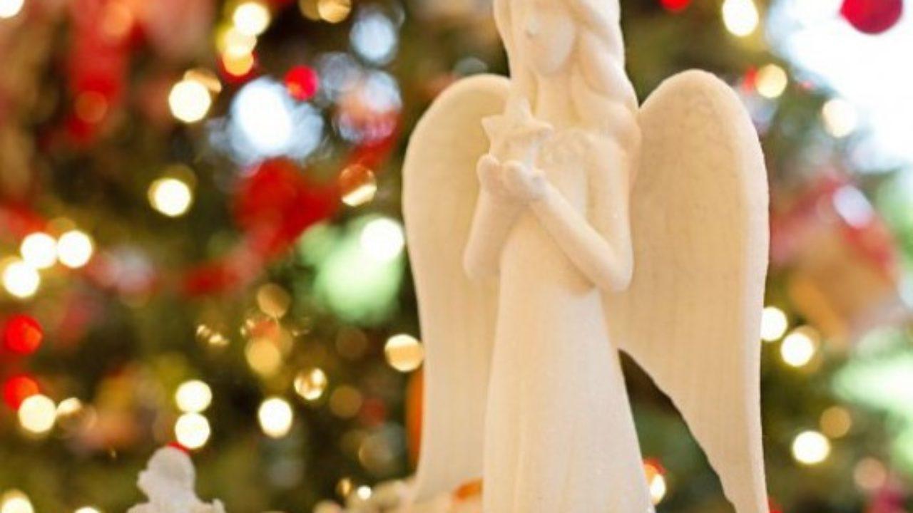 Молитва до Нового Року, яку слід прочитати, щоб прожити наступний рік в мирі та злагоді з ближніми.